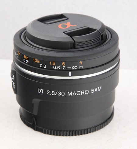 SONY 30mm f 2.8 DT macro